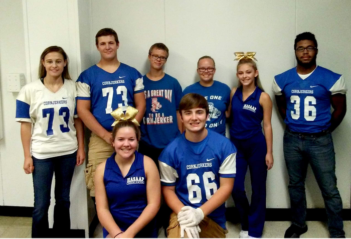 Armstrong HS showing their HASAAP Cornjerker Pride at school today! #hoco2018 #cornjerkerpride