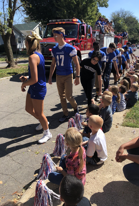 Great day for a parade! #cornjerkerpride #maplegradeschool