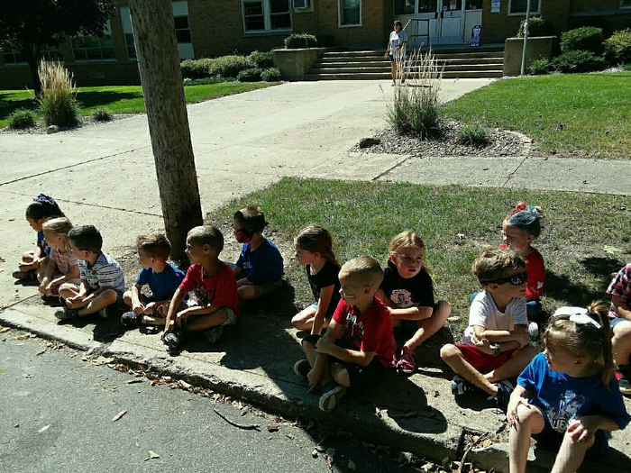 Pre-K and EC waiting for the parade.