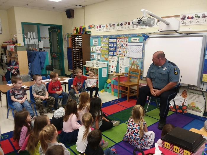 Officer Joe talks to the morning Preschool classes.