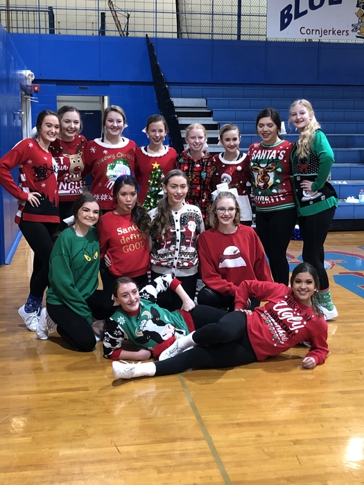 Cornjerker cheerleaders bring the Christmas Spirit!