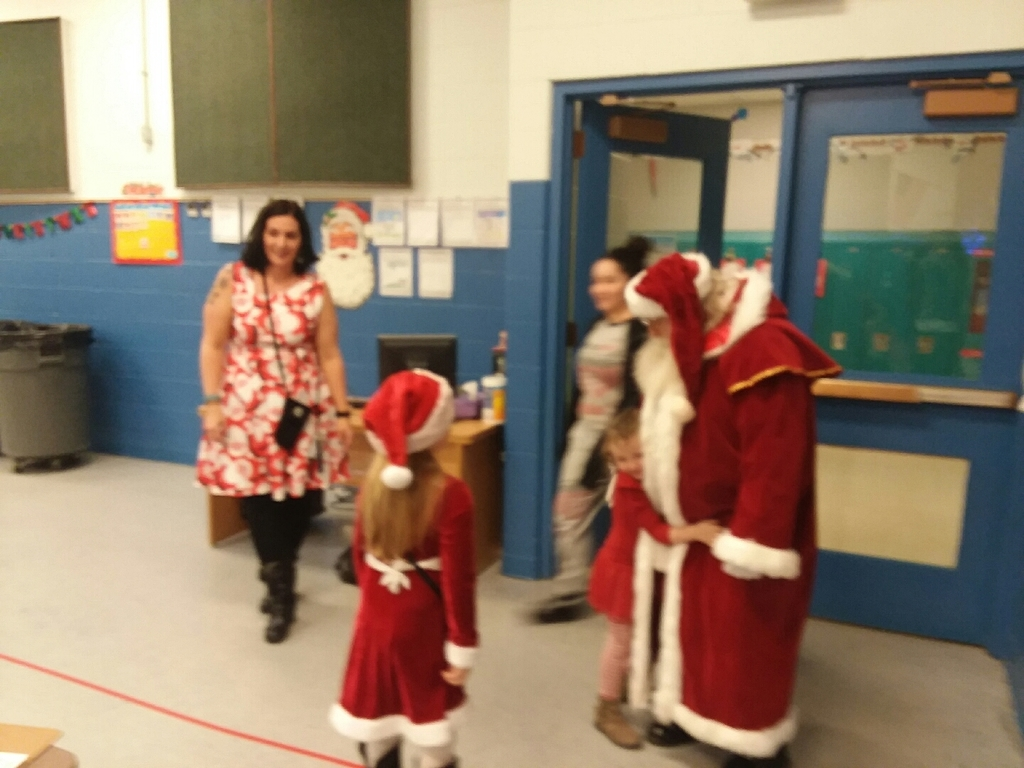 Santa arrives at Mapel school.