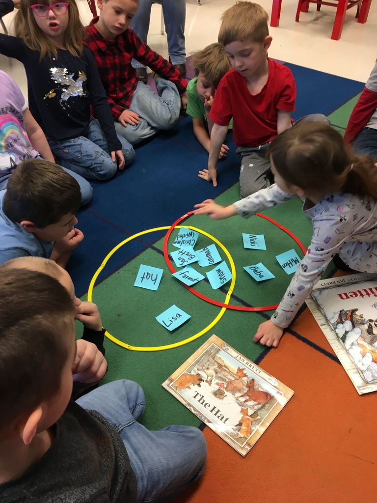 The students in Mrs. Hofer's class did a great job comparing two stories using a Venn diagram.
