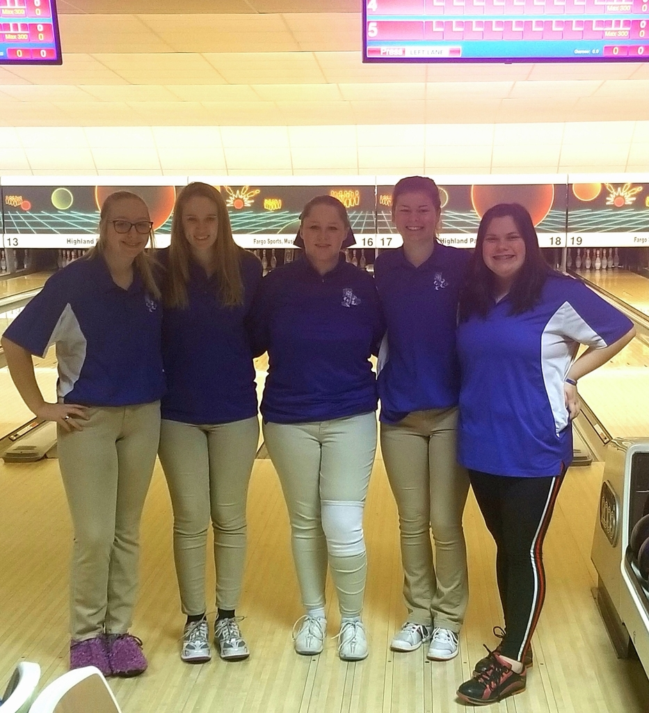 Lady Cornjerkers at Sectionals today! GOOD LUCK! 💙🎳💙